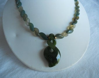 Necklace Jade.     Stock #(1389).
