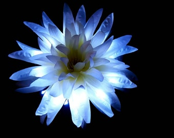 Large White Spider Chrysanthemum LED Hair Flower