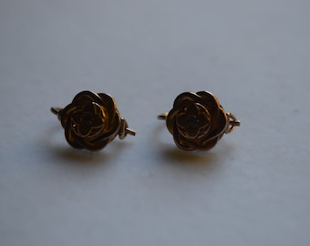antique earrings with floral pattern