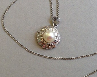 Cultured Pearl Silver Pendant and Sterling Silver Chain