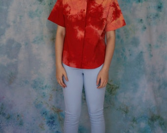 Short-sleeve Reverse-dye Button-down Blouse in Orange Red