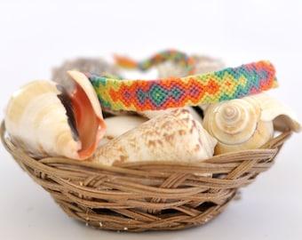 "knotted friendship bracelet ""Pretty Pastel""     ~ Ethno ~ Boho ~ embroidery floss ~ festival bracelet  ~ hippie bracelet  ~"