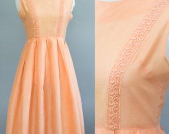 Vintage 1950s Dress / Peach / XS - S / VTG 50s Dress