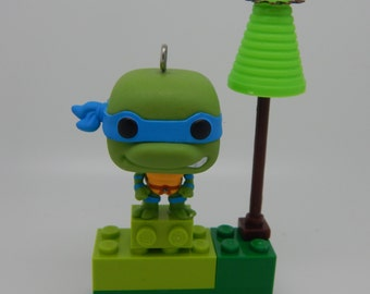 Leo and His Minimalist Tree