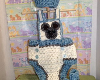 Crochet diaper cover, hat and matching booties
