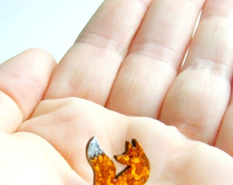 teeny tiny fox for your lapel // sweet pin brooch