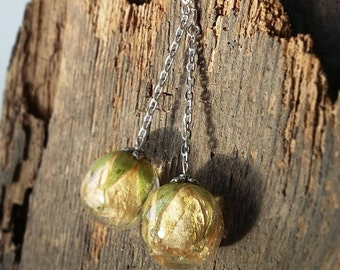 Elva Handmade Epoxy Resin Women Dangle  Earrings Jewelry, Perfect for Bridesmaids, Real Flower White Rose Inside of a Orb Pendant, Kazakh