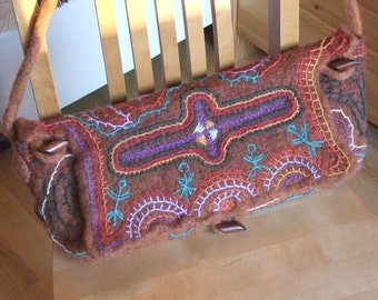 felted handbag beautified with archaic estonian embroidery