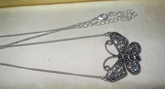 Lovely vintage 1960s silvertone hematite rhinestone butterfly  necklace
