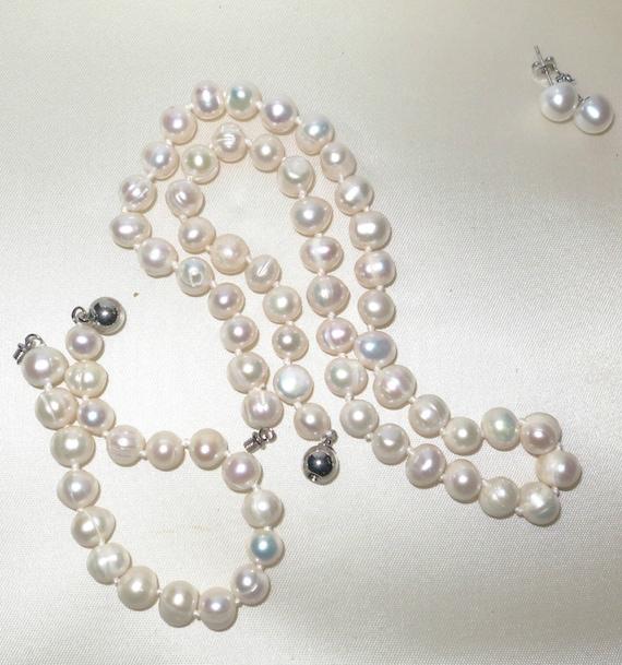 Lovely handmade genuine white rainbow freshwater cultured pearl necklace, bracelet earrings set
