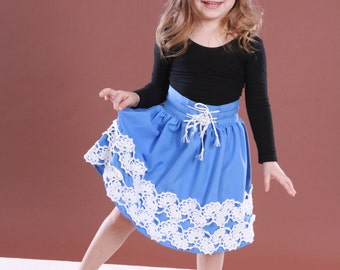 Skirt for girl with crocheted elements