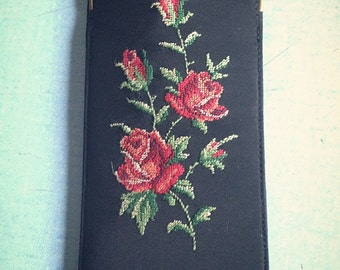 Glasses case embroidered