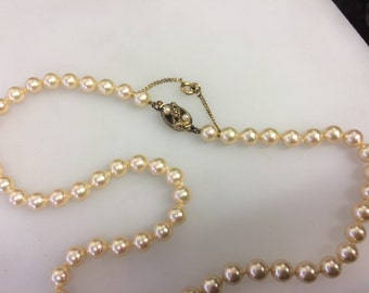 Majorica Simulated Pearl Necklet with Pearl-set Clasp - Vintage