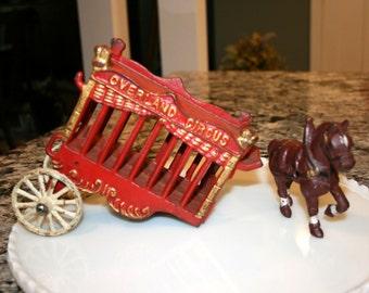 Kenton Overland Circus Wagon and One Horse//Cast Iron Wagon and Horse//Vintage Circus Wagon and Horse
