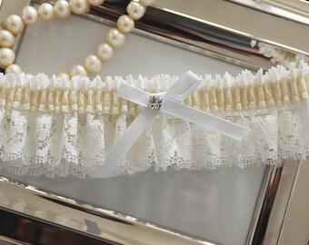 Wedding Garter, Bridal Garter, Keepsake Garter, Ivory Wedding Garter, Lace Wedding Garter, Something Blue