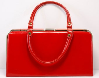 Vintage Red Box Purse in Excellent Condition