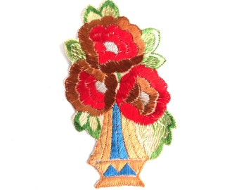 Authentic Collectible Flower Applique, flower basket applique, 1930s embroidered applique. Vintage floral patch, sewing supply. #646GD2KB