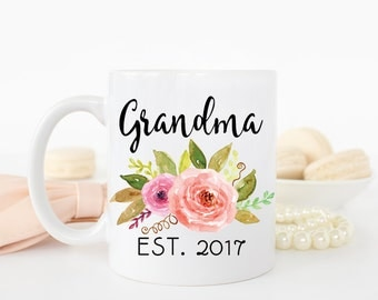 New Grandma Mug, Grandma to be Mug, Grandma Mug, Grandma Gifts, pregnancy announcement to grandma, pregnancy reveal to grandparents, Custom
