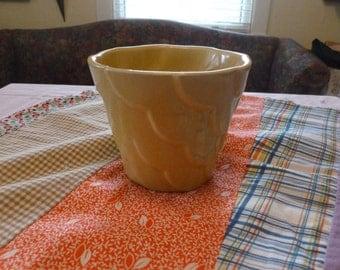 Mid Century Pottery Planter Waved Design 82S-5