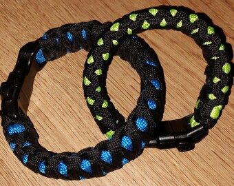 Paracord Double Cobra Bracelets with Whistle