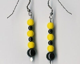 EW07003P-Earrings-Black Onyx(D), Czech Glass(G), Sterling Silver links & earwires with naturally aged patina, 2 1/8 in.