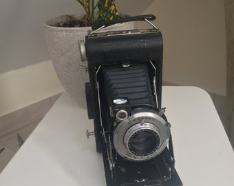 Vintage Kodak Vigilant Six 20 Camera with Case