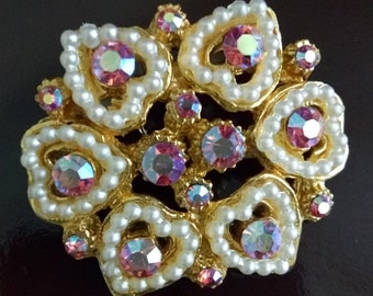 Heart shaped detail brooch with faux seed pearls and coloured stones
