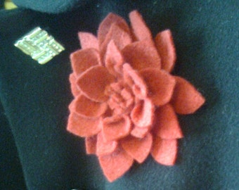 "Brooch from felt ""Georgin"""