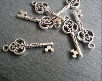 10 Lovely Detailed Life Like Silver Key Charms 29x10mm