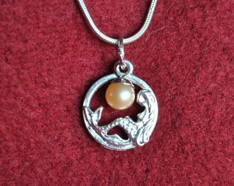 Circle Mermaid Pearl Pendant