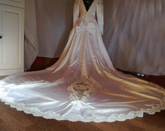 NWT Long Sleeved 1980s Wedding Dress with LONG TRAIN