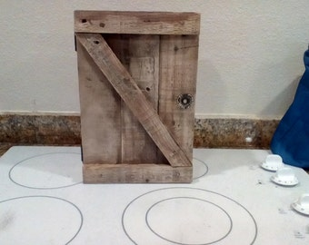 Rustic Pallet Wood Country Chic Medicine Cabinet