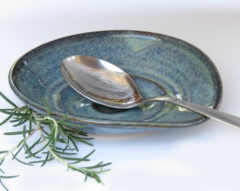 Spoon Holder - Ceramic Handmade Spoon Rest -  Soap Dish - Gift for New Home - IN STOCK - ready to ship