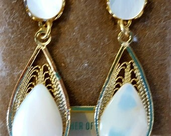 Gorgeous Mother of Pearl Drop Earrings