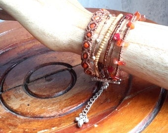 Bracelet style Hipanema Brown, red coral and stones