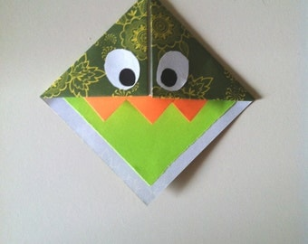 """Bookmark """"Monster"""" green Mouth"""