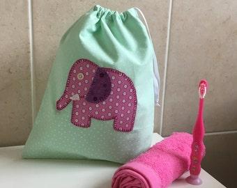Applique Kids Washbag (mint spot/pink elephant)
