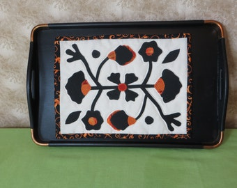 Wooden Serving Tray with Quilted Mat