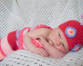 Newborn Caterpillar Beanie Hat and Cocoon Body Pouch Set /Photo Prop Caterpillar Crochet