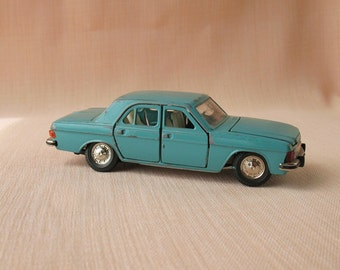 Russian Soviet Collectible Car model Volga GAZ-3102 1:43 Diecast Toy vintage Scale Model Toy car Made in the USSR