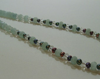 Aquamarine gemstone and pearl necklace