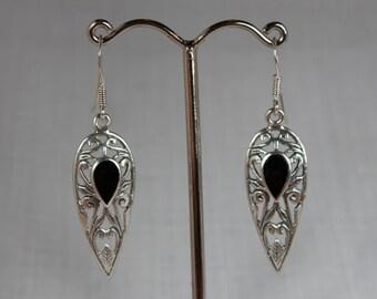 Art nouveau silver onyx earring