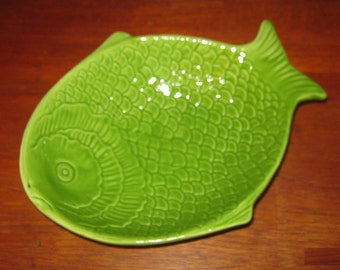 3 ceramic bowls in the shape of a fish from the 1970s - 3 ceramic bowls shaped like fish from the 1970 s