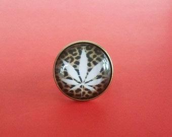 Pot Leaf Ring