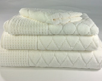 Pique Diamond Ivory Turkish Bath Towels