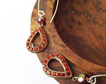 Red stone earrings, vintage earrings, 1960s vintage, carnival glass, sterling silver, red rhinestone earrings, something special