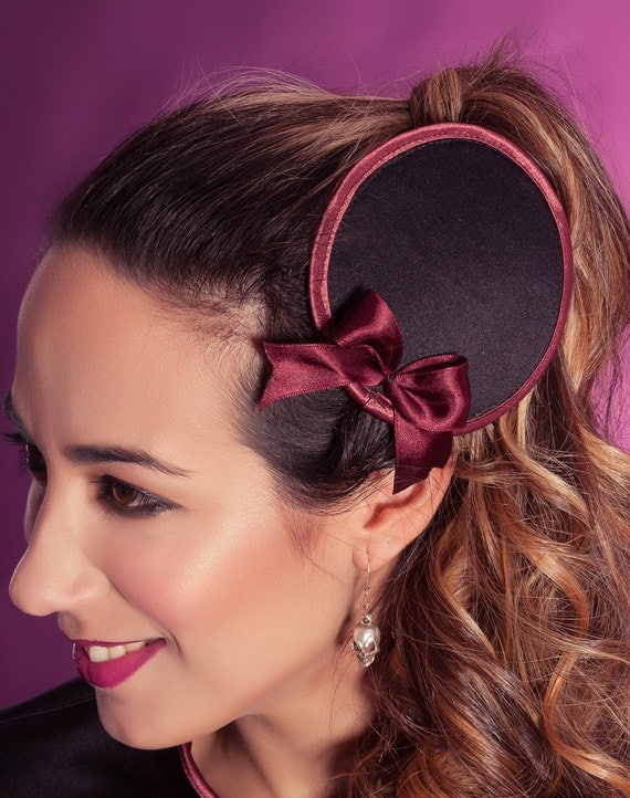 Black burgundy fascinator raffia Style Satin Sample sale Gothic pinup hairpiece Burlesque accessories Black satin heapiece with bow