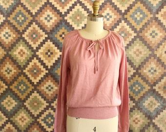 dusty rose pink sweater, keyhole front sweater, 1970s sweater, 70s pullover sweater, vintage acrylic sweater, tie front with gathered collar