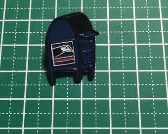 Mailbox letterbox pen pal enamel pin