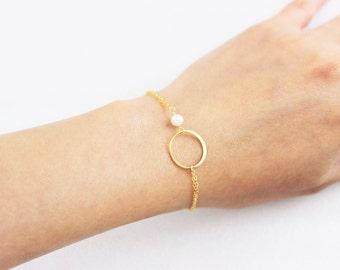 Circle Bracelet and Birthstone, Silver Pearl Bracelet, Gold Eternity Friendship Bracelet, Delicate Mothers Jewelry, Sister Bracelet